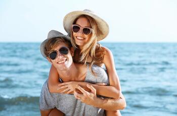 Offerta Weekend Rimini in hotel fronte mare con piscina idromassaggio