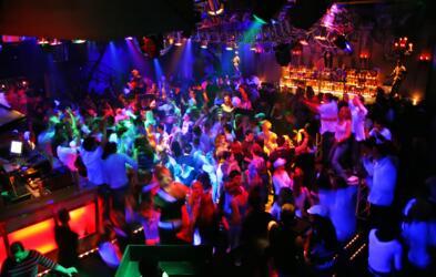 Vacanza di divertimento a Rimini? Il Vela d'Oro ti organizza serate indimenticabili!