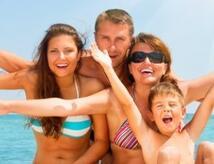 Agosto a Misano Adriatico in Hotel 3 stelle con Piscina Riscaldata e Parcheggio