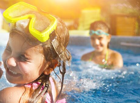 Seconda settimana di luglio all inclusive in hotel con piscina a Rimini