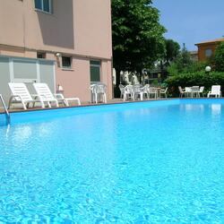 Offer last June 7 in Rimini All Inclusive Hotel with Swimming Entertainment Parking.