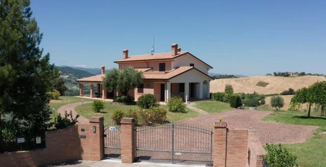 immobiliaretardini it annuncio-vendesi-bellissima-villa-panoramica-sulle-colline-di-San-Clemente-San-Clemente-2985 008