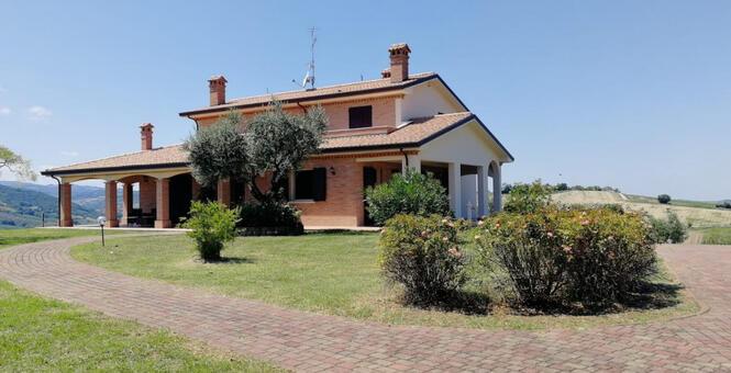 immobiliaretardini it annuncio-vendesi-bellissima-villa-panoramica-sulle-colline-di-San-Clemente-San-Clemente-2985 006