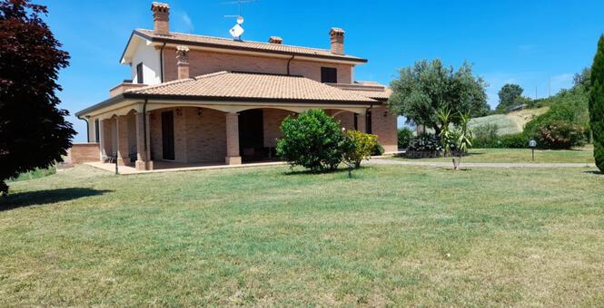 immobiliaretardini it annuncio-vendesi-bellissima-villa-panoramica-sulle-colline-di-San-Clemente-San-Clemente-2985 009
