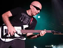 Joe Satriani in concerto
