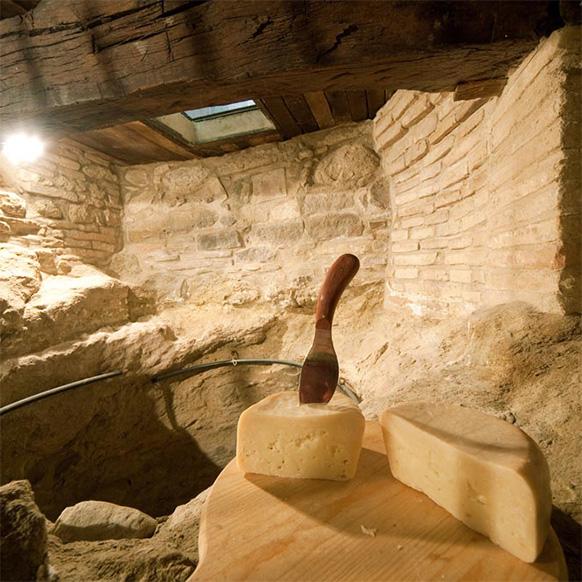 L'Ambra di Talamello 2017: 32esima fiera del formaggio di fossa