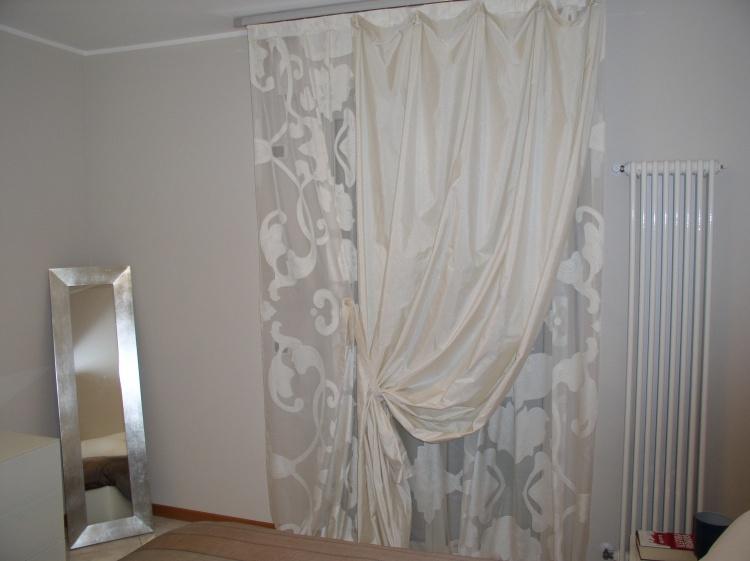 Tendaggi a rullo e veneziane rimini tappezzeria e corredo - Camera da letto doppia ...