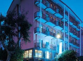 hotel christian - TV Satellitare - Hotel tre Stelle - Rivazzurra
