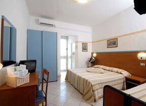 Hotel 2 Stelle - Baby sitting - Rimini - Marina Centro - hotel la gioiosa