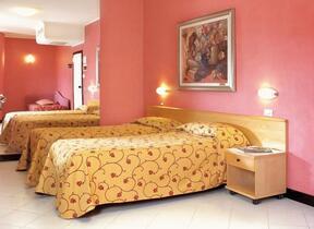 Phon - Rimini - Marina Centro - junior hotel - Hotel 3 Stelle