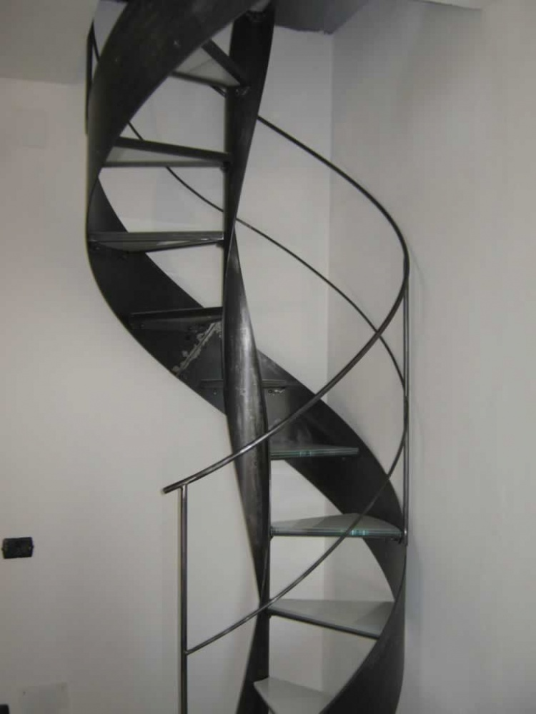 Scale a chiocciola su misura , scala chiocciola in legno, scale a chiocciola in ferro  Nicolini ...