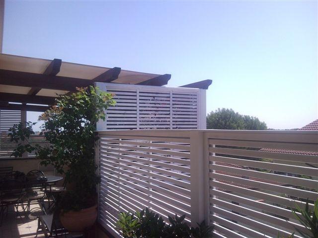 Pannelli privacy terrazzi pannelli termoisolanti for Divisori per terrazzi