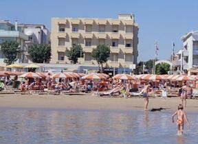 Torre Pedrera - Balcone - Hotel 3 Stelle - hotel ida