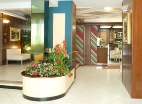 Hotel 3 Stelle - hotel augustus - Rimini - Marina Centro - Parcheggio