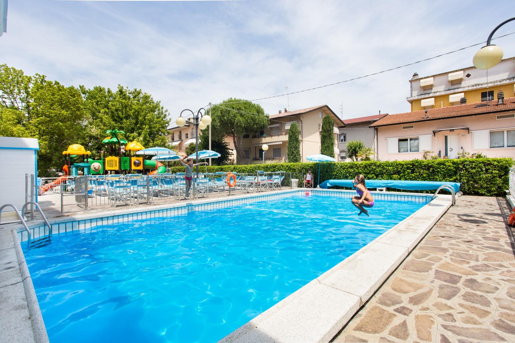 Hotel ambrosiana misano adriatico 3 stelle via alberello - Hotel misano adriatico con piscina ...