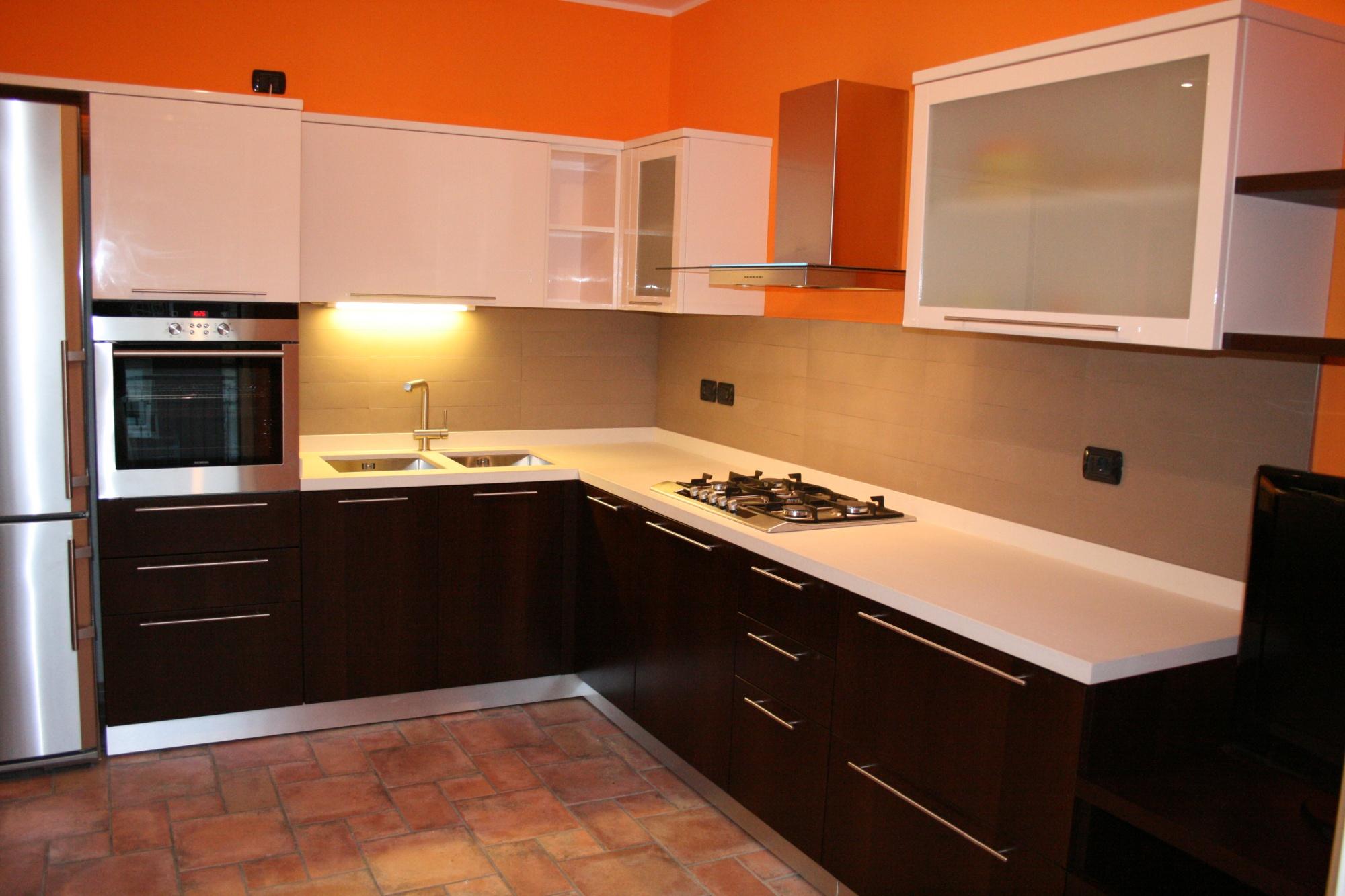 Cucine Lube Alessandria : Cucina bianca e bordeaux awesome modrio cm