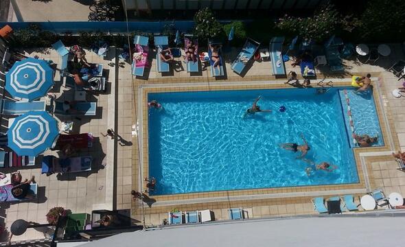 Offerta per famiglie 2° settimana Luglio in hotel 3 stelle Riccione con animazione e piscina