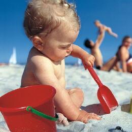 Offerta Ferragosto in Hotel Rimini per bambini proprio sul mare con Spiaggia Privata Inclusa