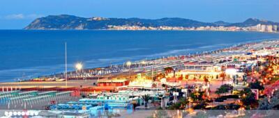 super offerta  luglio a Riccione in hotel a 3 stelle sul mare