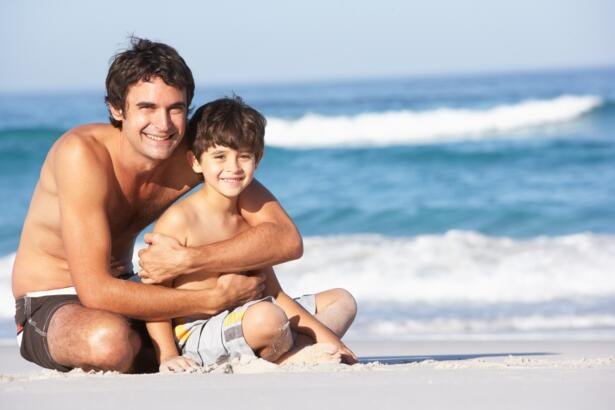 Offer Single Parents in hotel with swimming pool and animation