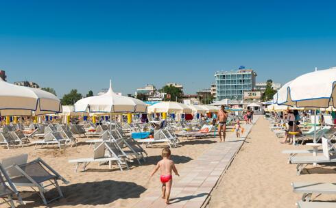 Конец июльских каникул в Римини на море на полном пансионе
