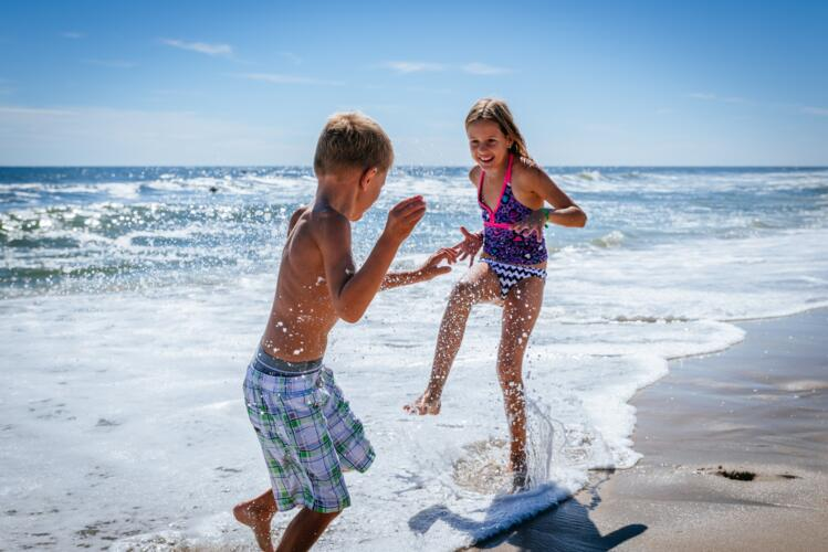 End in Style! End Of Summer Offer in Pinarella, 3-star Hotel next to the Beach, Kids for free