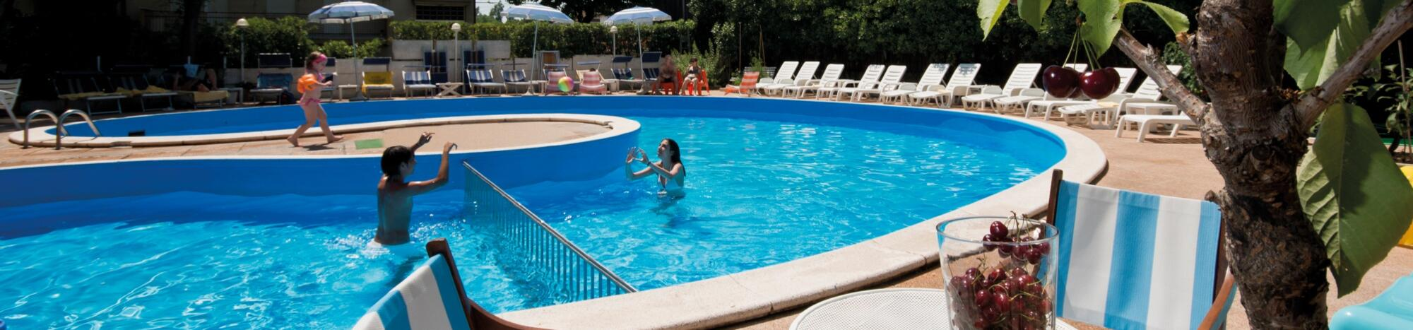 Angebot für Juni am Meer in Rimini in einem Hotel in Strandnähe