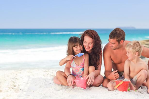 August holiday in Rimini? Here are the offers for families in our hotel near the beach!