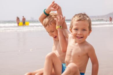 OFFRE ENFANT GRATUIT à l'hôtel avec piscine