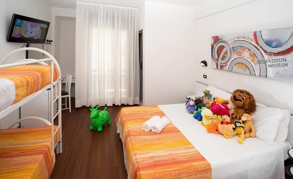 Offerta vacanza fine Luglio in hotel 3 stelle all inclusive a Riccione
