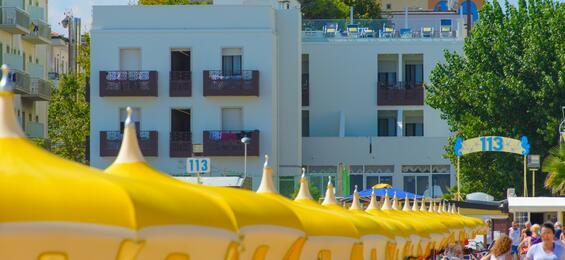 1800 m2 Di Parcheggio riservato  in Hotel a Rimini