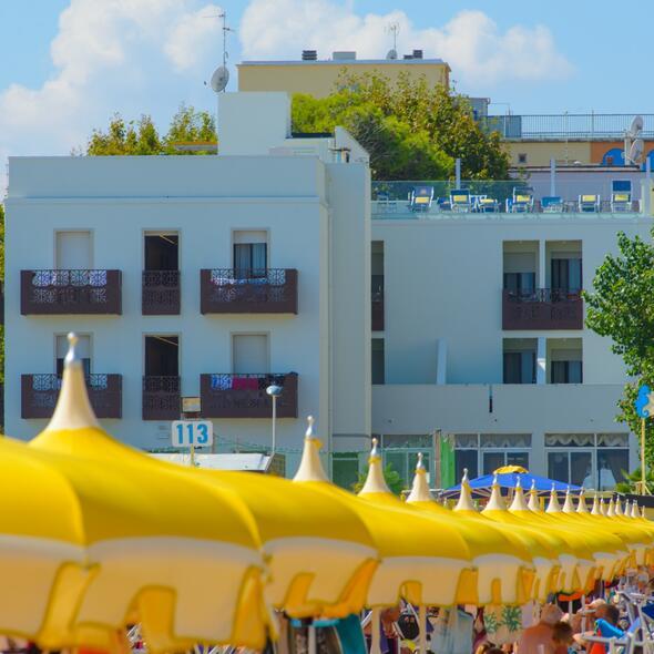 Hotel con Parcheggio interno e gratuito a Rimini per tutti i nostri Ospiti con cancello automatico.