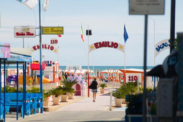 Angebot für Mitte-Juli im Hotel in Rimini am Meer, All-Inclusive, Ferienclub und Pool Services