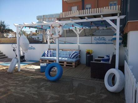 Offerta low-cost luglio in Hotel 3 stelle sul mare Rimini spiaggia gratuita inclusa Bambini gratis