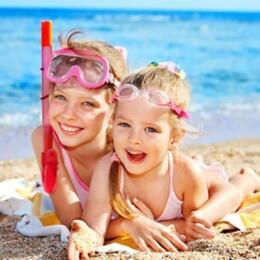 Offerta Ultime Settimane di Giugno Family Hotel a Rimini proprio sul mare Bimbi e Spiaggia Gratis
