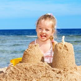 Offerta Low- Cost Giugno Rimini in hotel fronte mare con spiaggia inclusa e bambini gratuiti