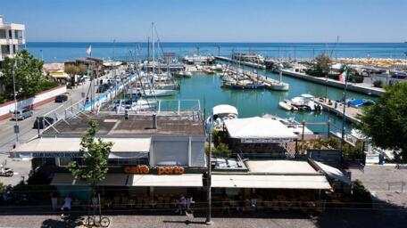SUMMER RENTALS: AUGUST LAST MINUTE DEALS | VACATION HOUSES AND APARTMENTS FOR RENT IN RICCIONE
