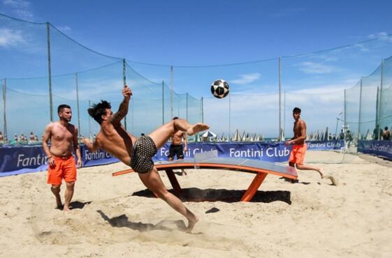 CS_18-07-19_LO SPETTACOLO DEL BEACH TEQBALL SULLA SPIAGGIA DI CERVIA