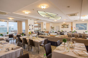MID-SEPTEMBER AT ALL-INCLUSIVE FAMILY HOTEL IN RICCIONE