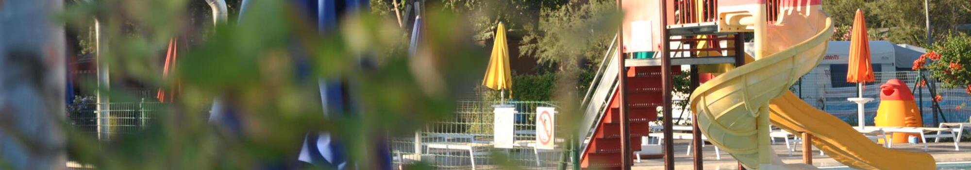 Juli in Bibione Pineda verblijf in stacaravan in camping village aan zee
