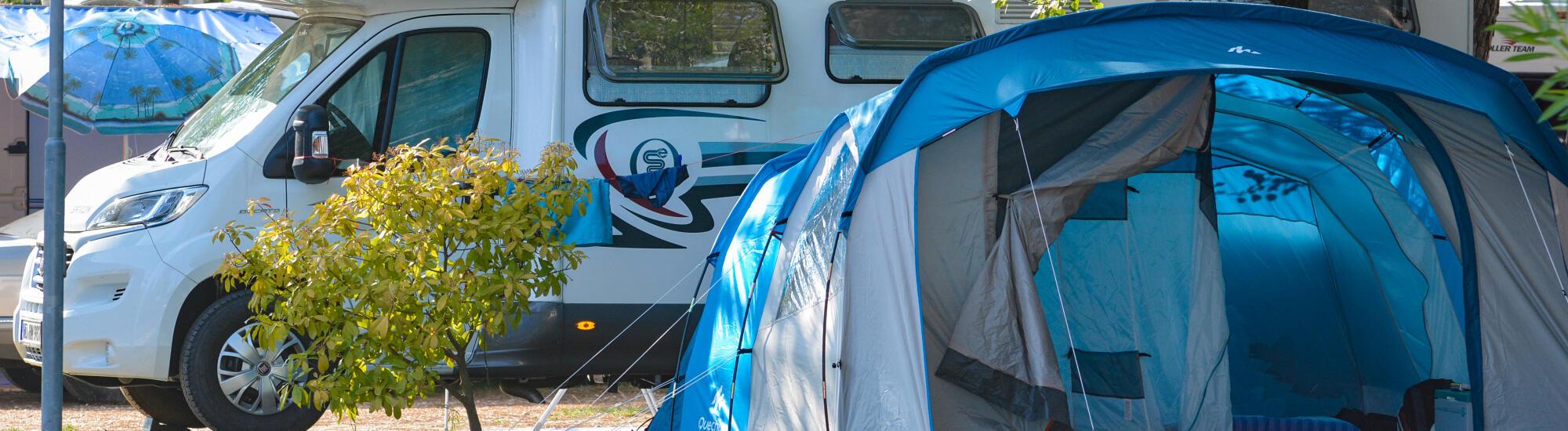 Juli-Woche auf einem Stellplatz: Familienpaket im Camping-Village in Bibione