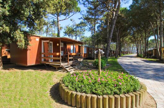 Augusturlaub im Mobilheim in Bibione im Camping Village mit Pool