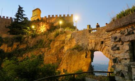 Geben Sie einen Aufenthalt in San Marino!