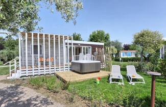 Family holiday in Suite XL mobile home in Tuscany