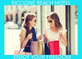 OFFERTA WEEKEND DI SHOPPING A RICCIONE