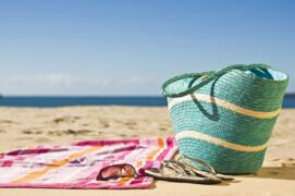 Juin: Courez entre les vagues de la mer!