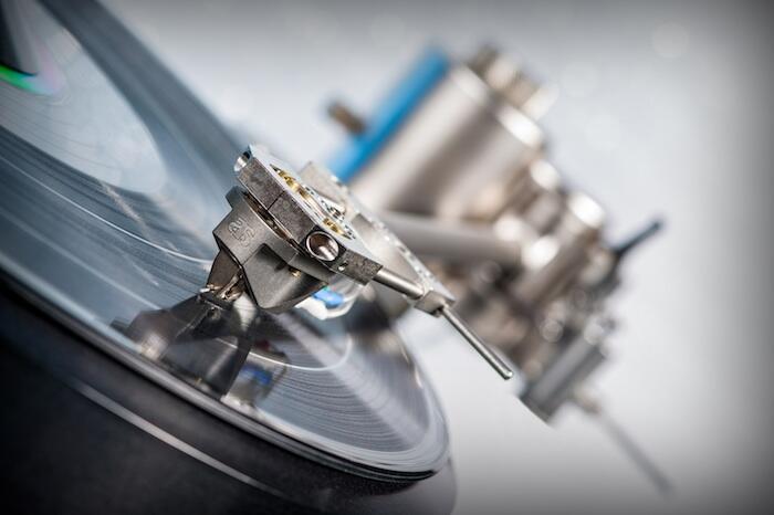 Siamo i distributori ufficiali per l'Italia dei prodotti Acoustical Systems / Germany