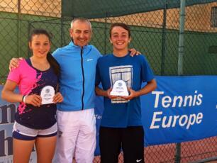 Erika Di Muzio è in finale nel Tennis Europe Under 16 di Paola, dove conquista il doppio