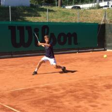 Alessandro Falcucci in semifinale nel torneo di terza categoria del Tennis Viserba