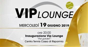 Vip Lounge: domani sera si alza il sipario.